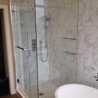 Frameless shower doors vancouver